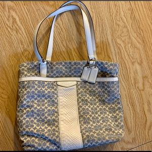 Coach Field Tote in Signature Jacquard